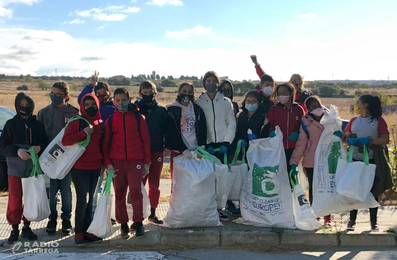 Batuda de neteja mediambiental a Tàrrega amb la participació de gent jove