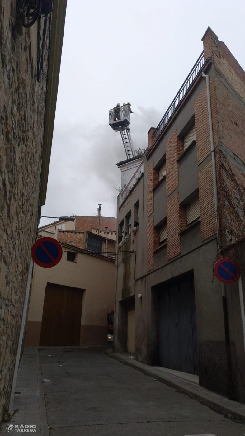 Incendi sense ferits en un pis de Tàrrega