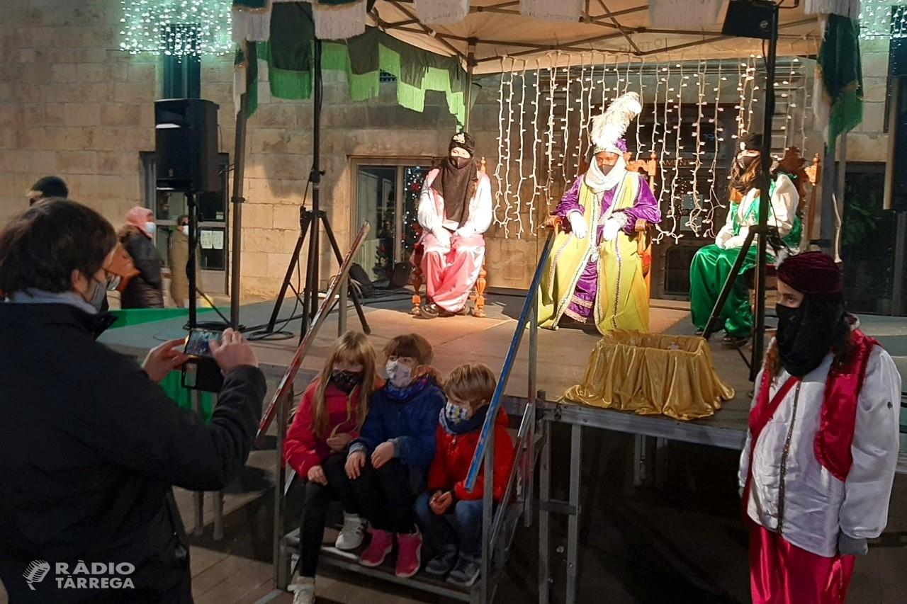 El Patge Kassam arriba a Tàrrega per recollir fins dilluns les cartes dels infants adreçades als Reis Mags d'Orient