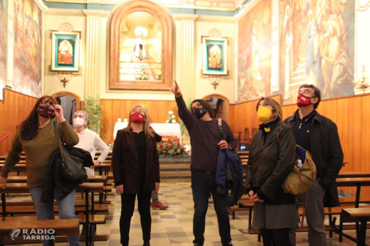 La consellera de Cultura, Àngels Ponsa, visita Bellpuig i s'interessa pel convent de Sant Bartomeu