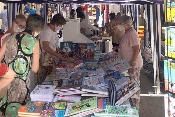 El Mercat de Sant Jordi a Tàrrega tindrà dos espais diferenciats per compatibilitzar la participació de llibreries i floristeries amb la d'entitats