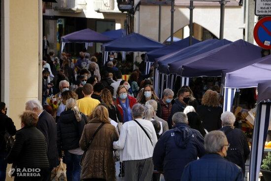 Sant Jordi a Tàrrega amb dos espais per compatibilitzar la participació de llibreries i floristeries amb entitats