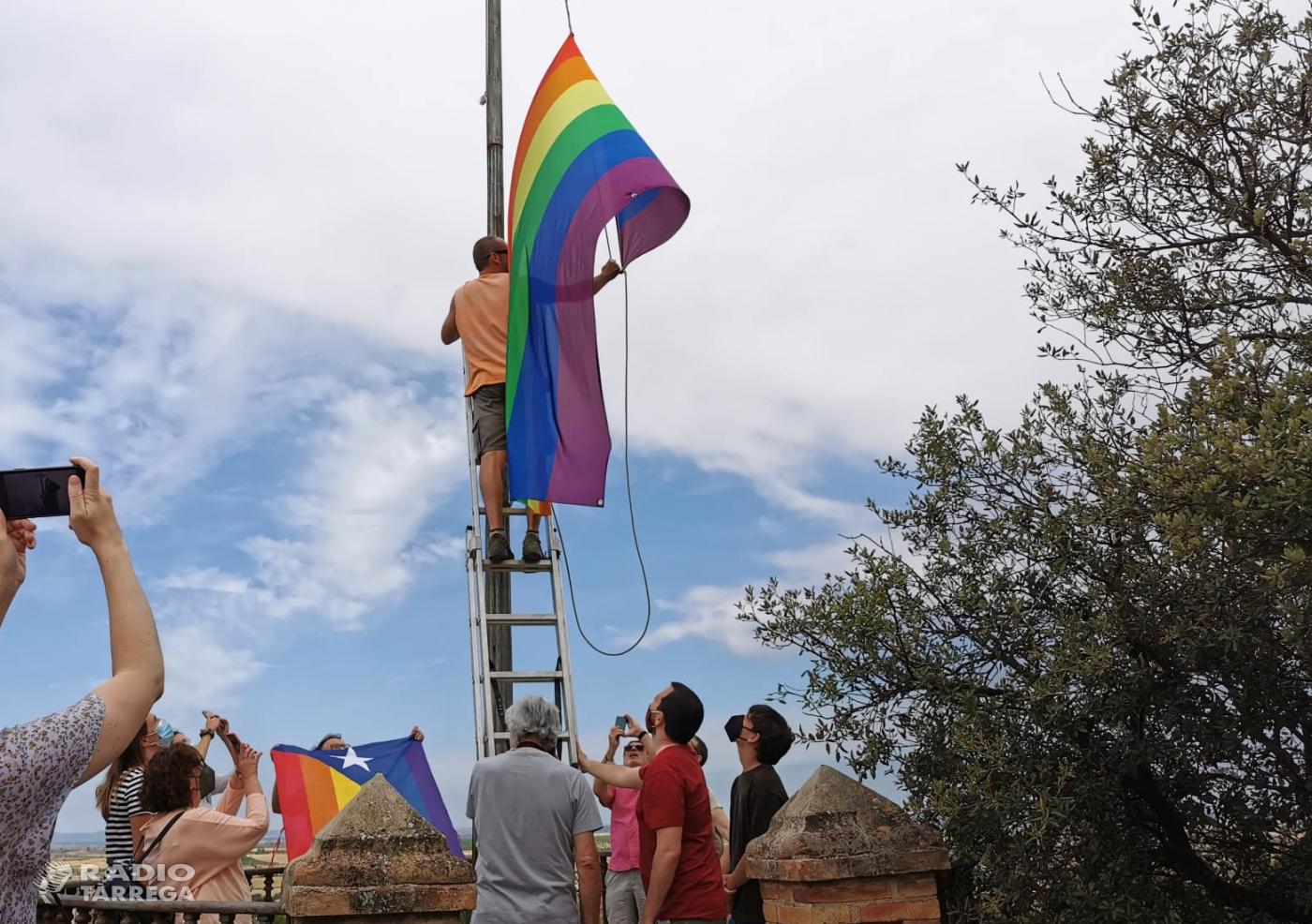 Tàrrega fa onejar la bandera del col·lectiu LGTBI+ al Parc de Sant Eloi