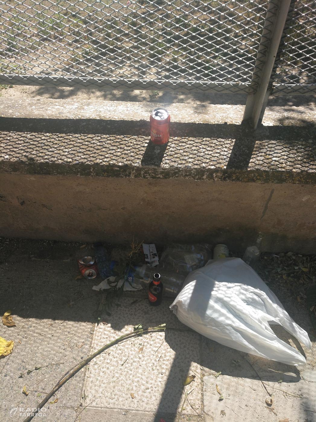 La FAVT es queixa de la retirada de papereres al barri de la Plana