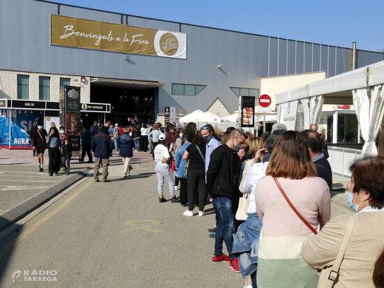 Centenars de visitants omplen la 32a Fira del Torró d'Agramunt en la seva primera edició en pandèmia