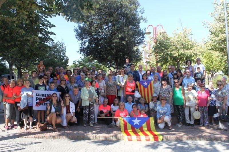 Diada reivindicativa a Tàrrega amb la participació d'una trentena d'entitats