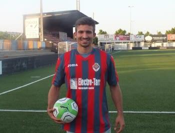 SALINAS,TAMBÉ SEGUEIX // Joan Salinas juga a la defensa i és tot un referent  a l'equip blaugrana
