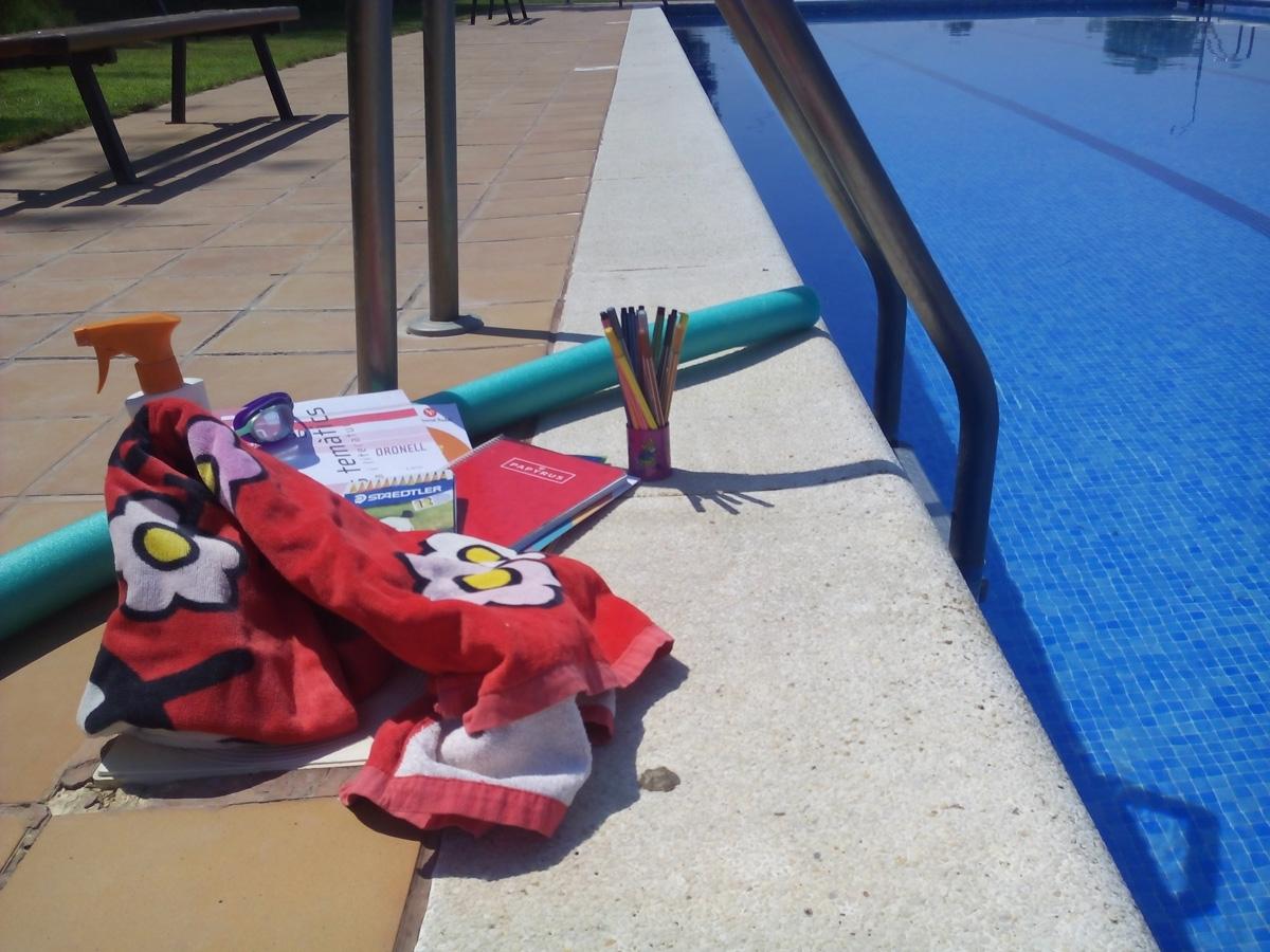 Uff!! NO agrada a ningú fer deures d'estiu