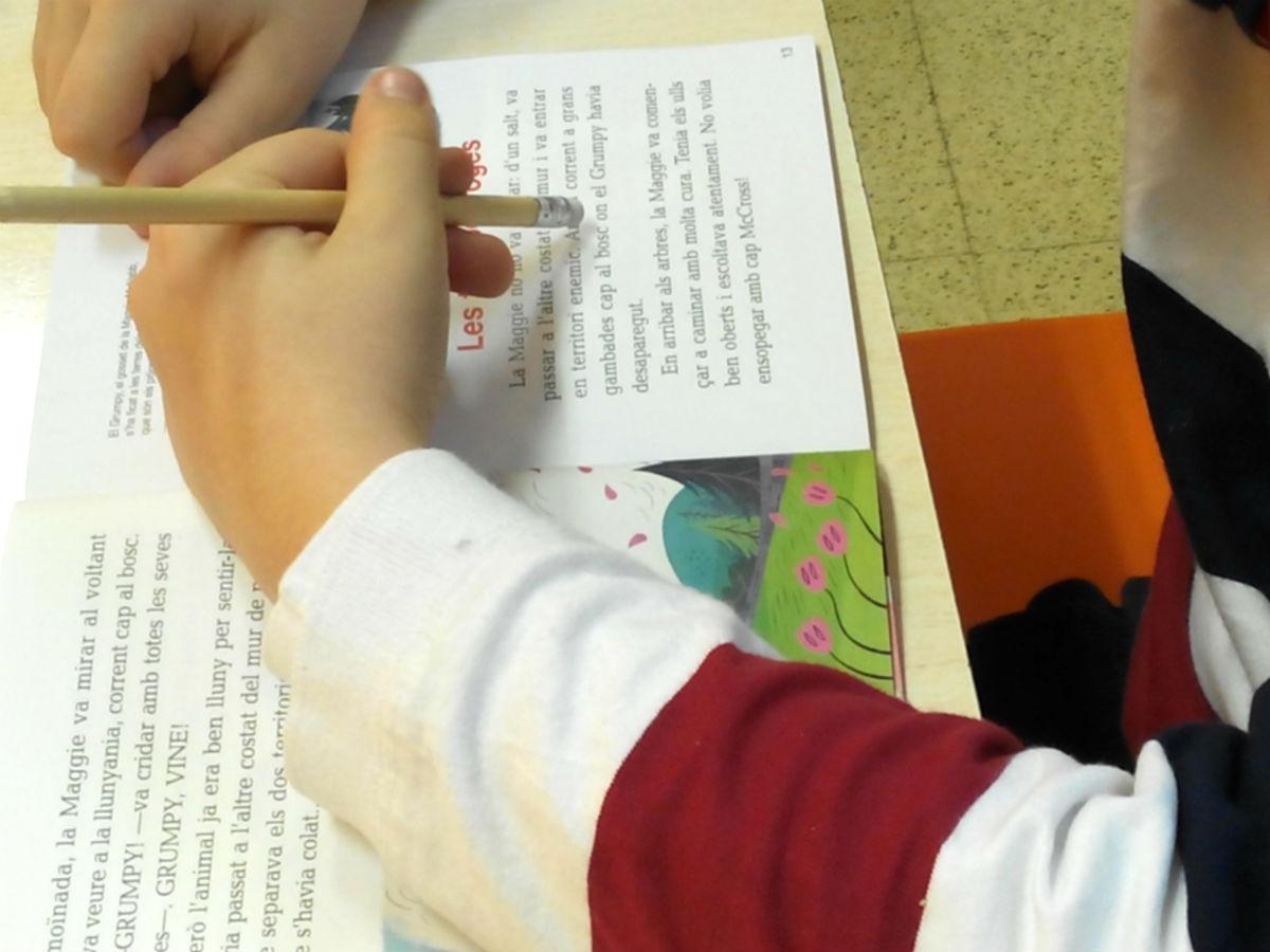 Aumenta la comprensión lápiz en mano