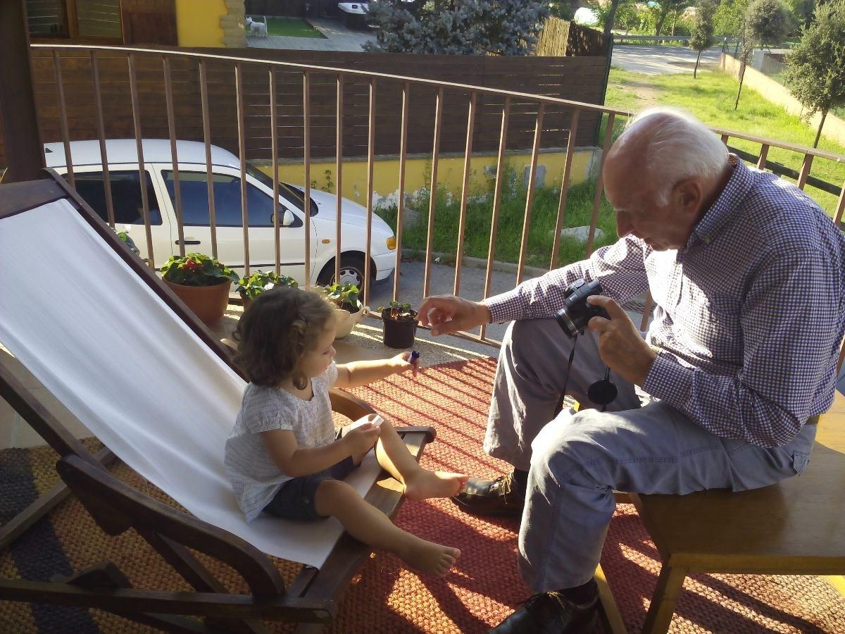 Queridos abuelos: os añoramos y así os protegemos