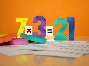 Jugad y divertiros con las tablas de multiplicar