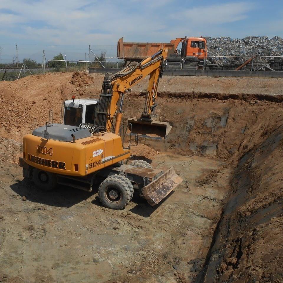 Els Serveis Tècnics comarcals dirigeixen les obres d'arranjament de la bassa de lixiviats de la Planta de Compostatge