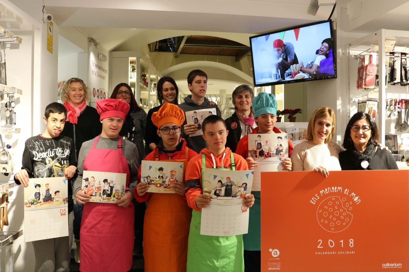 """Culinarium i l'Associació Alba presenten el calendari solidari """"Ens mengem el món"""""""