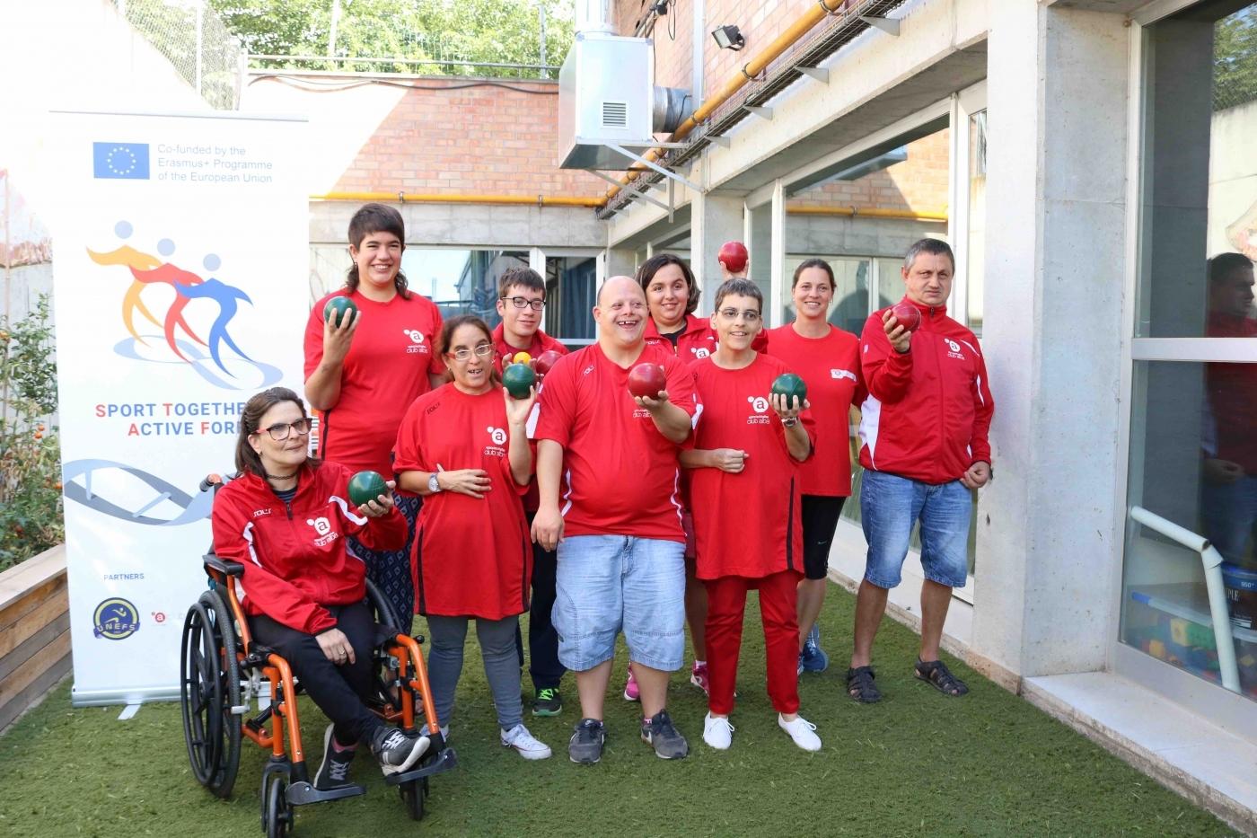 """Un nou esport, el """"bocce"""", s'introdueix a l'Associació Alba"""