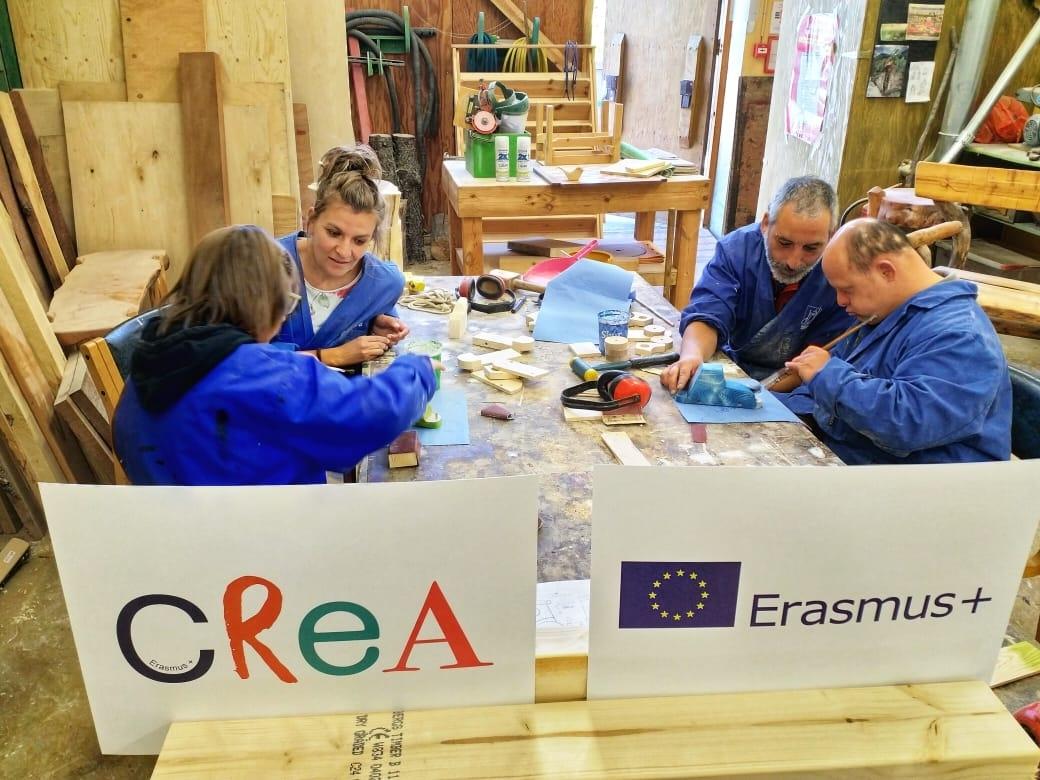 Quatre persones del Grup Alba són a Islàndia per conèixer un projecte de fusteria d'una entitat social, gràcies al programa europeu CREA
