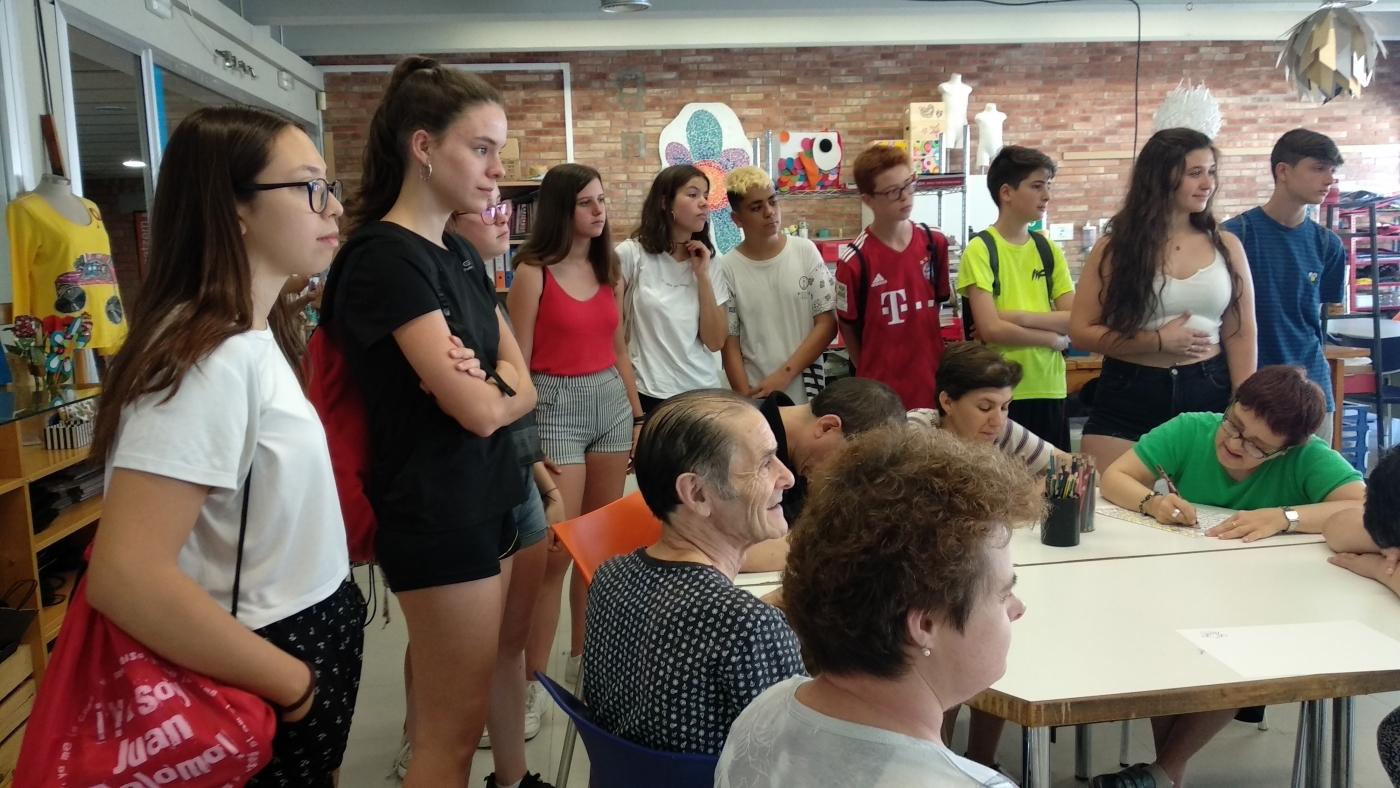 50 joves es formaran en voluntariat aquest estiua través d'un programa del Grup Alba