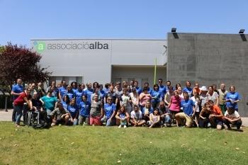 La companyia internacional LEDS C4 realitza una jornada de voluntariat corporatiu amb les persones del Grup Alba.