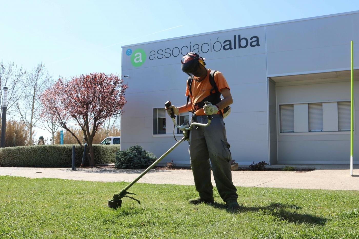 L'Ajuntament de Tàrrega adjudica els treballs de jardineria del Parc de Sant Eloi a l'Associació Alba.