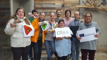Persones de l'entitat lituana Jaunuoliu Dienos Centras visiten el Grup Alba a Tàrrega