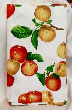 Mantelería Manzanas 150 x 150 + 6 - 2