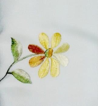 Mantelería flor amarilla - 1