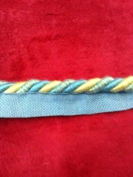 Cordón azul amarillo