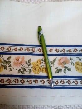 Greca flores azules