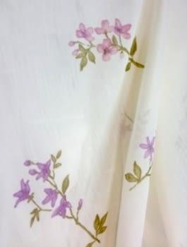 Tela Visillos flores rosas