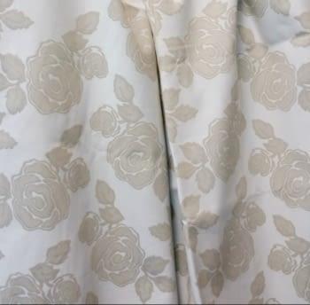 Tela flores beige 280 - 5