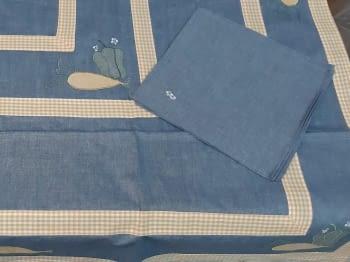 Mantel azul 135 x 135 + 6 - 5