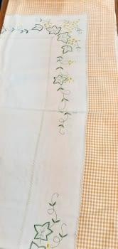 Mantelería bordada amarilla 265 x 173 - 7