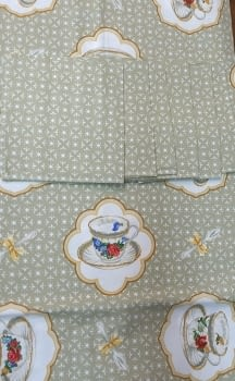 Mantelería tazas beeige 150 x 150 - 1