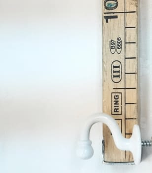 Alzapaño metal blanco 4 cm - 3