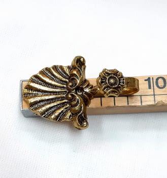 Alzapaño dorado concha 9 cm - 1