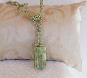 Abrazadera cordón verde