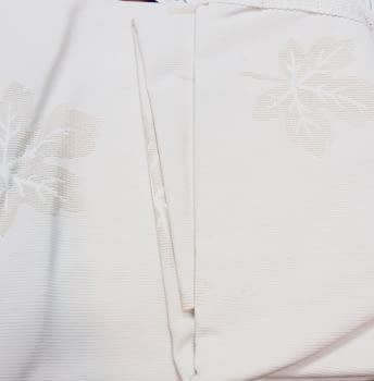 Colcha beige capa hojas cama 90