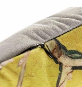 Cojín amarillo oriental 40 x 60 - 1