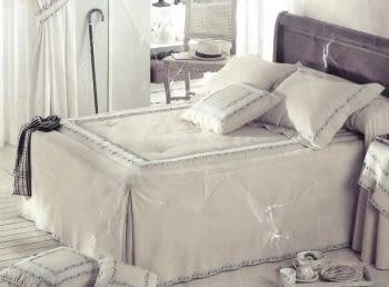 Colcha edredón puntillas cama 150