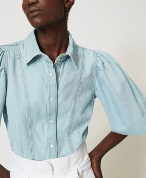 TWINSET camisa vaquera azul claro con manga  abullonada