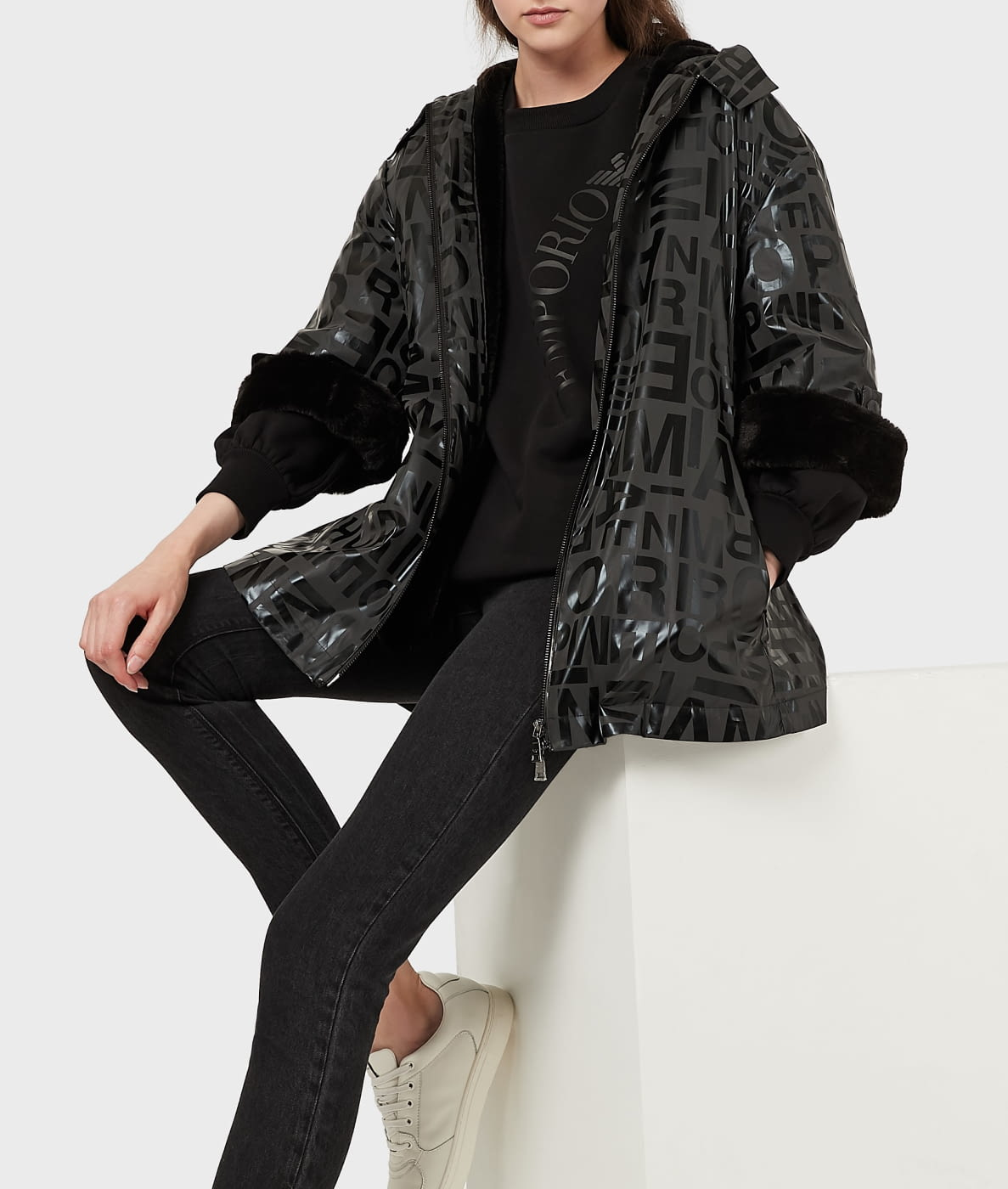 EMPORIO ARMANI chaqueta gris/negro logotipo
