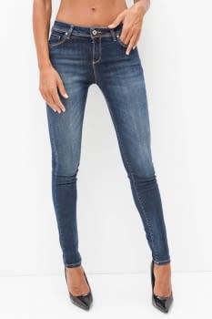 KOCCA jeans azul con pedrería