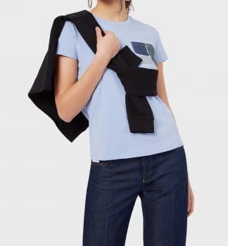 EMPORIO ARMANI camiseta azul lavanda manga corta  con paillet en el bolsillo