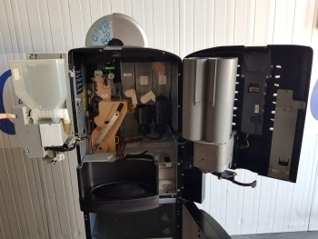MAQUINA VENDING CAFE EN GRANO NECTA COLIBRI C5 - 3