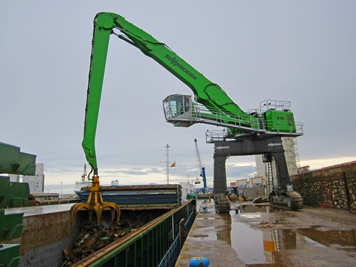 El mercado portuario español empieza a beneficiarse del ahorro energético con Sennebogen