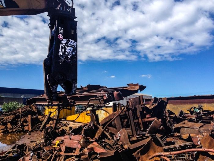 Vagones de tren convertidos en material fundido