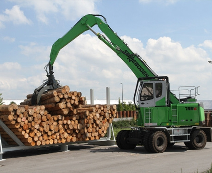 Una pala cargadora no es la mejor manipuladora de troncos