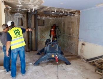 Un robot Husqvarna para las demoliciones de Pertall