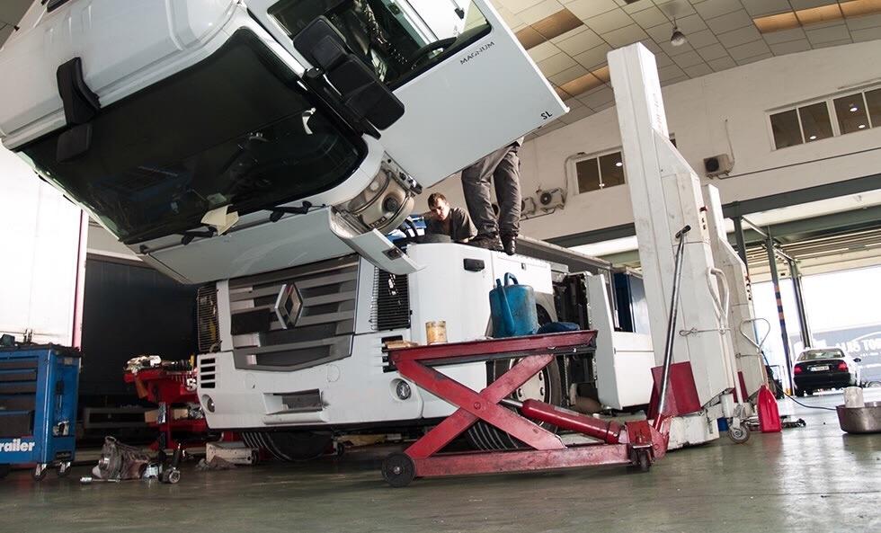 El departamento de reparación de camiones empieza con fuerza