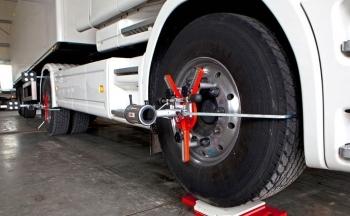 3 motivos para alinear las  ruedas de  camiones