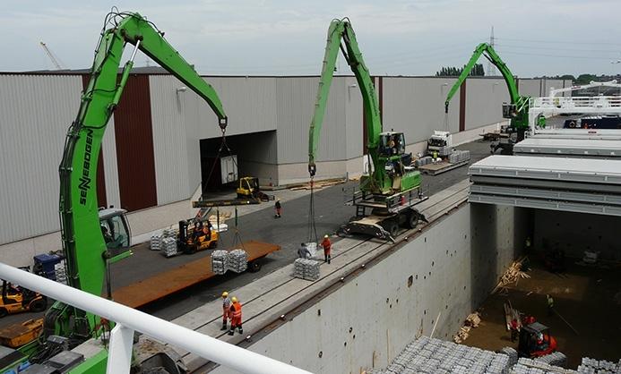 13 máquinas Sennebogen para la logística del Puerto de Amberes en Bélgica